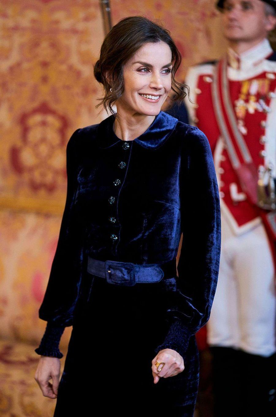 La reine Letizia d'Espagne portant sa bague Karen Hallam à Madrid, le 5 février 2020