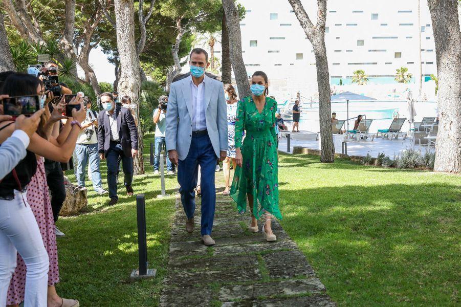 Le roi Felipe VI et la reine Letizia d'Espagne à Palma de Majorque, le 25 juin 2020