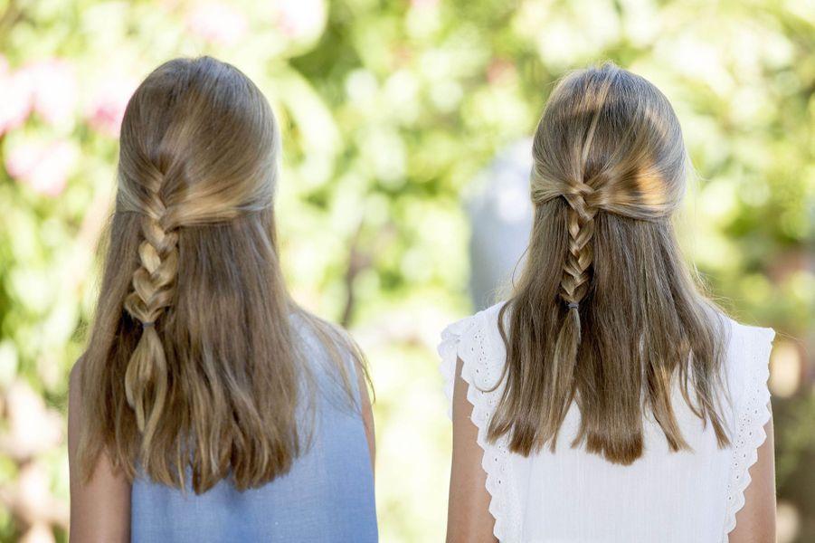 Les coiffures des princesses Leonor et Sofia d'Espagne à Son Marroig sur l'île de Majorque, le 8 août 2019