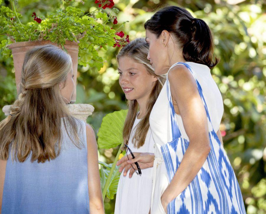 La reine Letizia d'Espagne et ses filles à Son Marroig sur l'île de Majorque, le 8 août 2019