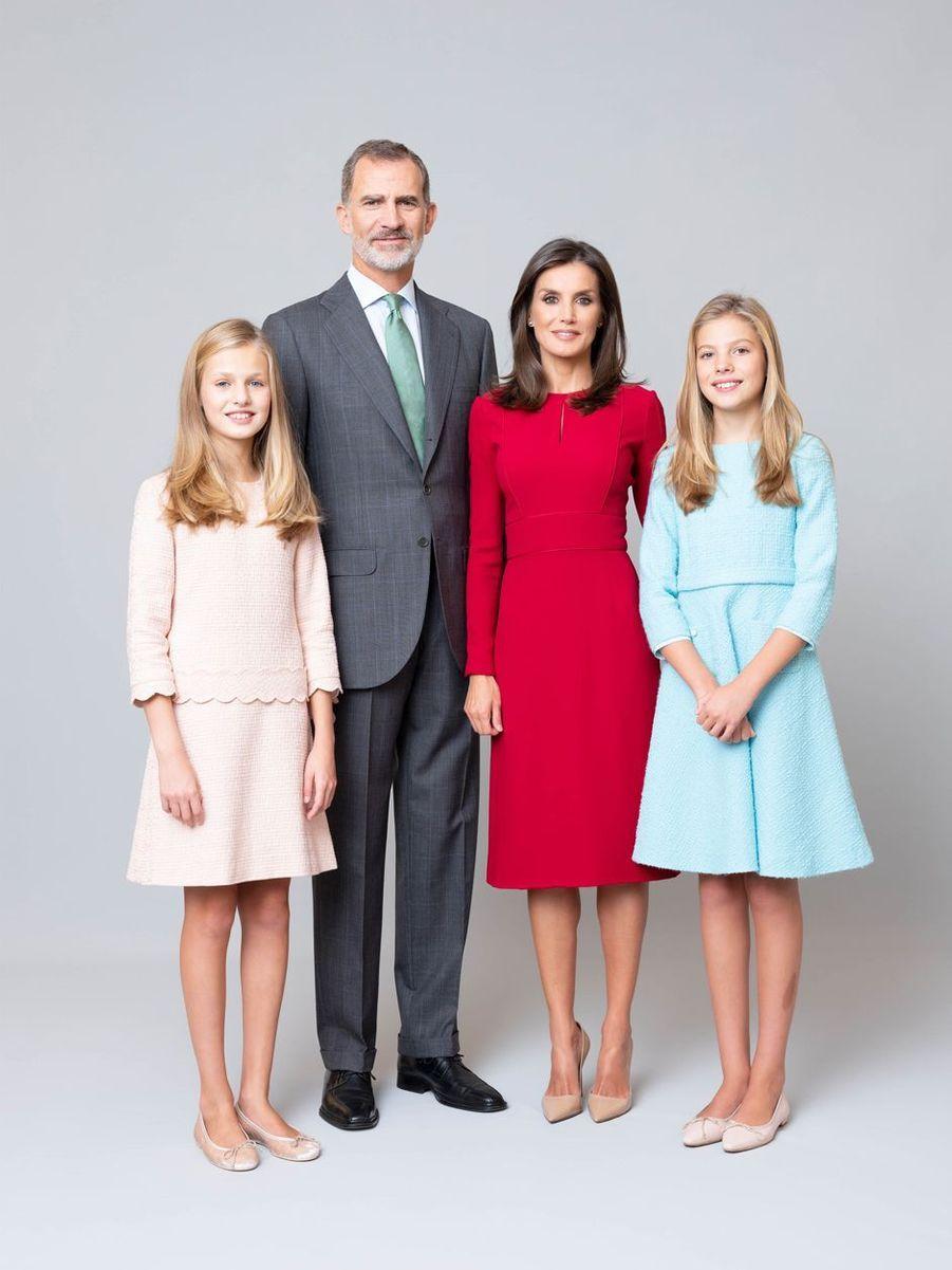 Nouveau portrait de la reine Letizia, du roi Felipe VI et des princesses Leonor et Sofia d'Espagne, dévoilé le 11 février 2020