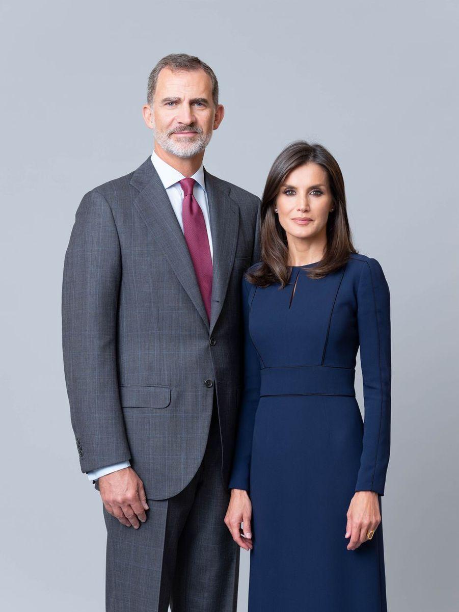 L'un des nouveaux portraits de la reine Letizia et du roi Felipe VI d'Espagne, dévoilé le 11 février 2020