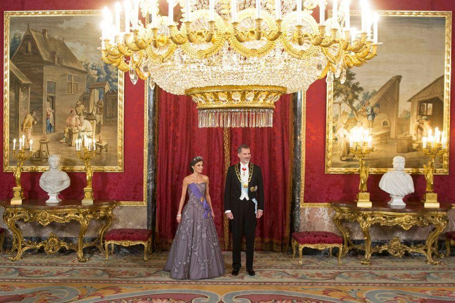 La reine Letizia et le roi Felipe VI d'Espagne à Madrid, le 27 février 2019