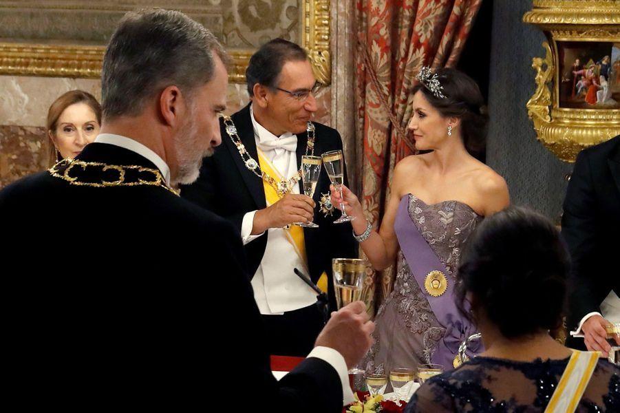 La reine Letizia d'Espagne avec le président du Pérou à Madrid, le 27 février 2019