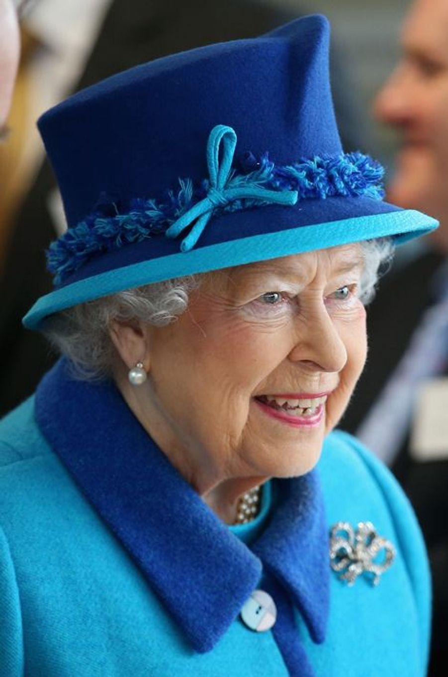 La reine Elizabeth II à Capel-le-Ferne, le 26 mars 2015