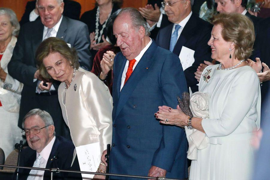 L'ancienne reine Sofia et l'ancien roi Juan Carlos d'Espagne avec l'ancienne reine Anne-Marie et l'ancien roi Constantin II de Grèce à Madrid, le 2 novembre 2018
