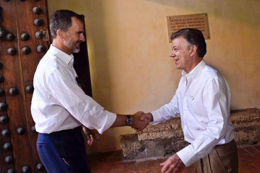 Le roi Felipe VI d'Espagne avec le président colombien Juan Manuel Santos à Cartagena de Indias, le 27 octobre 2016