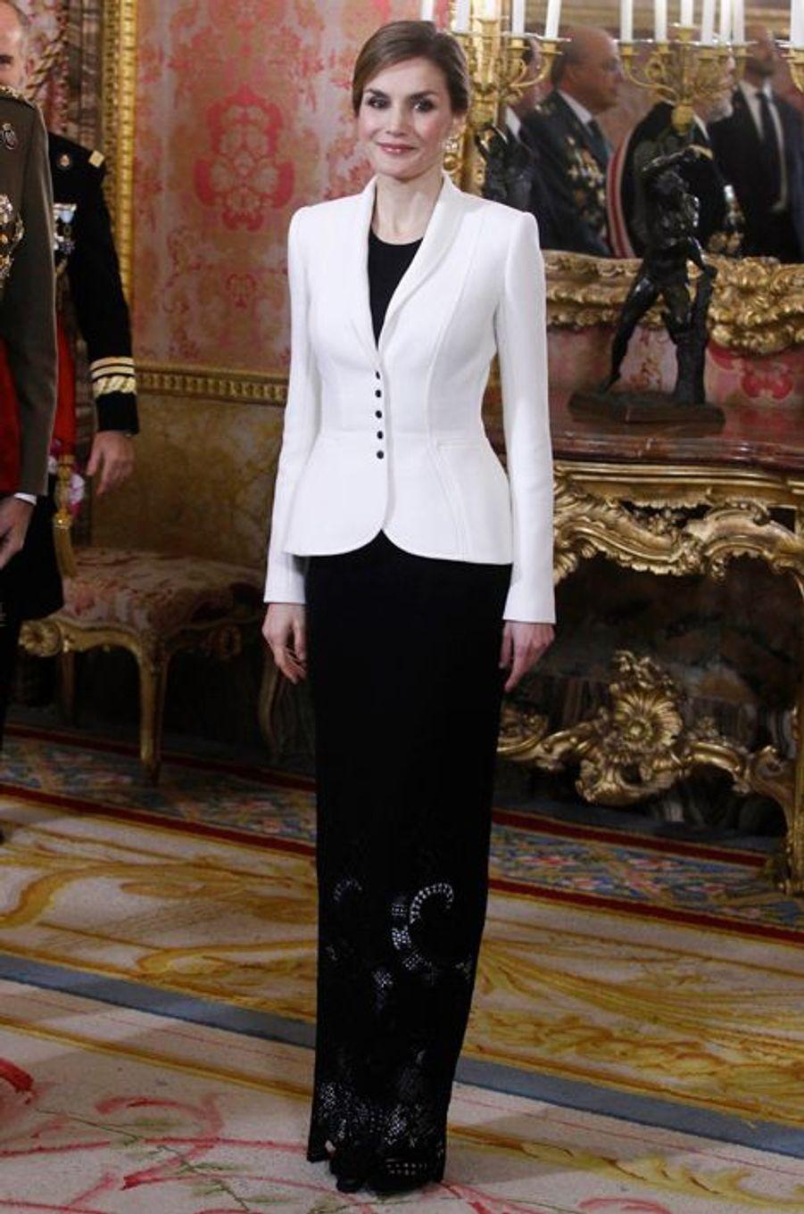 La reine Letizia d'Espagne au Palais royal à Madrid, le 6 janvier 2016