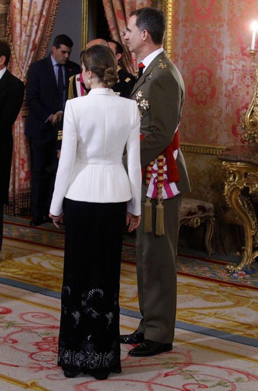 La reine Letizia et le roi Felipe VI d'Espagne au Palais royal à Madrid, le 6 janvier 2016