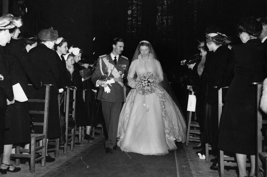 Le grand-duc héritier Jean de Luxembourg et la princesse Joséphine-Charlotte de Belgique, le jour de leur mariage, le 9 avril 1953