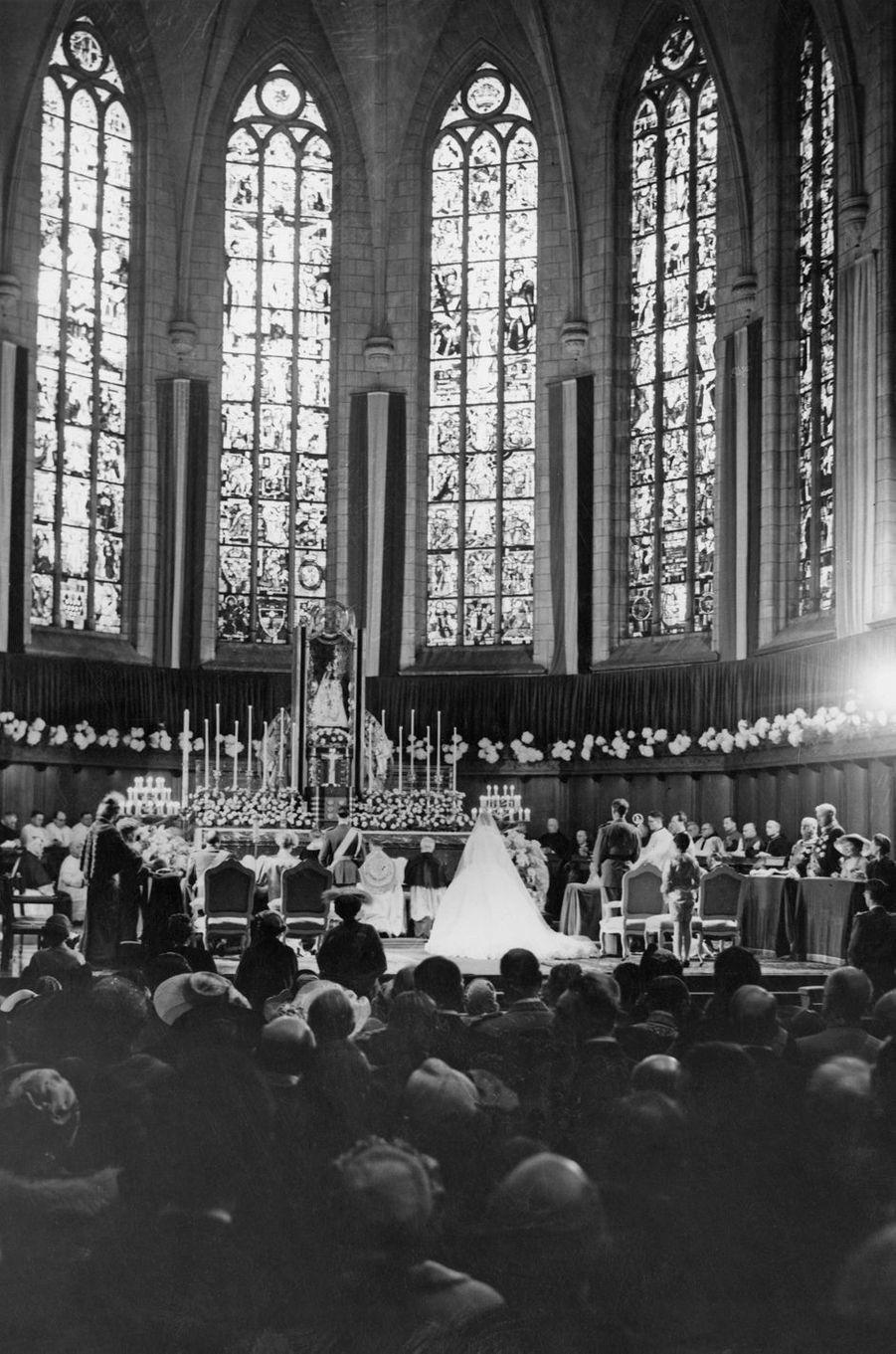 Mariage religieux du grand-duc héritier Jean de Luxembourg et de la princesse Joséphine-Charlotte de Belgique, le 9 avril 1953