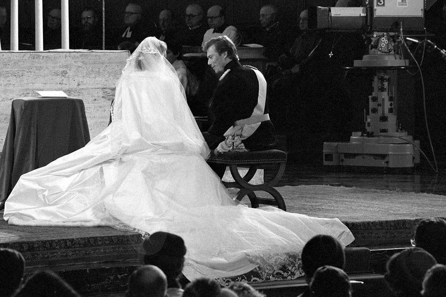 Le prince héritier Henri de Luxembourg et Maria Teresa Mestre à Luxembourg, le jour de leur mariage le 14 février 1981