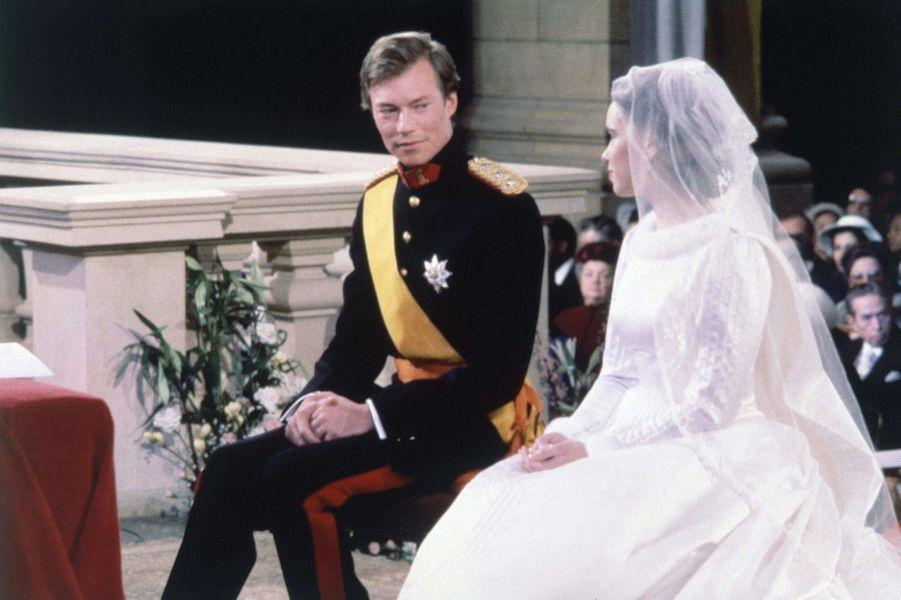 Le prince héritier Henri de Luxembourg et Maria Teresa Mestre, le jour de leur mariage le 14 février 1981