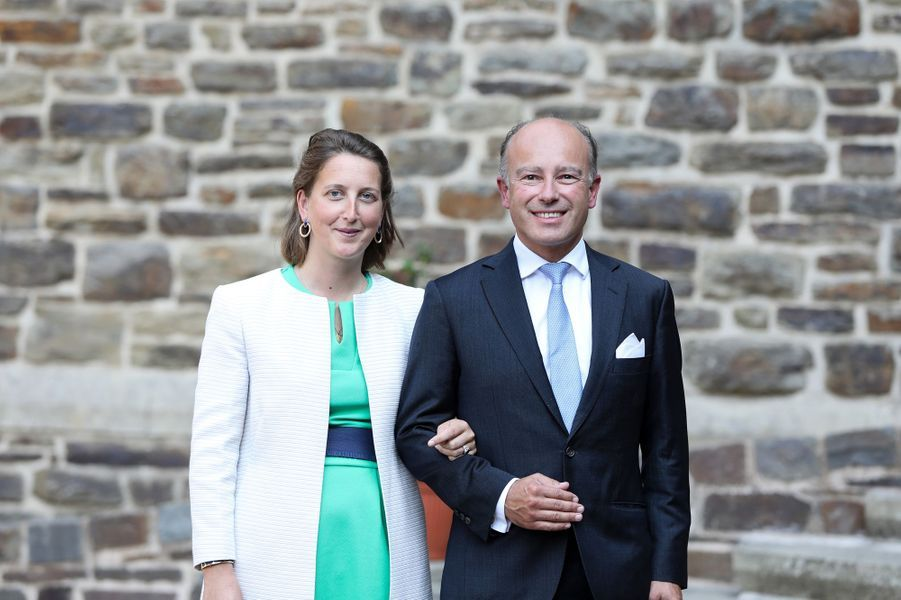 Le comte Amaury de Lannoy, frère de la princesse Stéphanie, avec son épouse à l'abbaye de Clervaux, le 19 septembre 2020