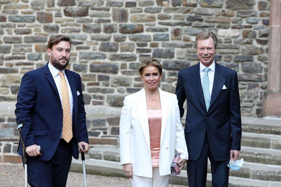 Le prince Sébastien, la grande-duchesse Maria Teresa et le grand-duc Henri de Luxembourg à l'abbaye de Clervaux, le 19 septembre 2020