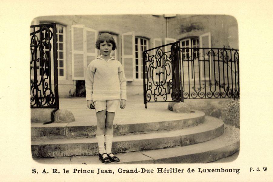 Le prince Jean de Luxembourg, enfant. Carte postale non datée