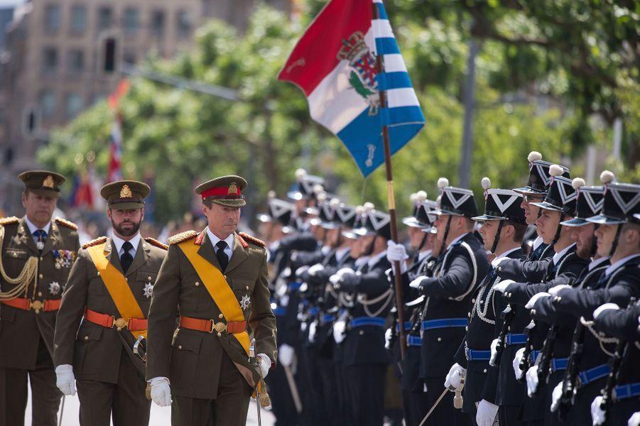 Le grand-duc Henri et le prince Guillaume à Luxembourg, le 23 juin 2015