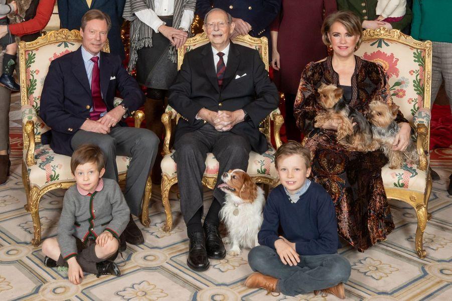 L'ancien grand-duc Jean, le grand-duc Henri et la grande-duchesse Maria Teresa de Luxembourg avec les comtes Constantin et Léopold de Limburg-Stirum, le 5 janvier 2019