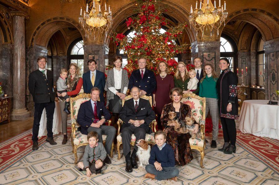 La photo de famille de l'ex-grand-duc Jean de Luxembourg pour ses 98 ans, le 5 janvier 2019