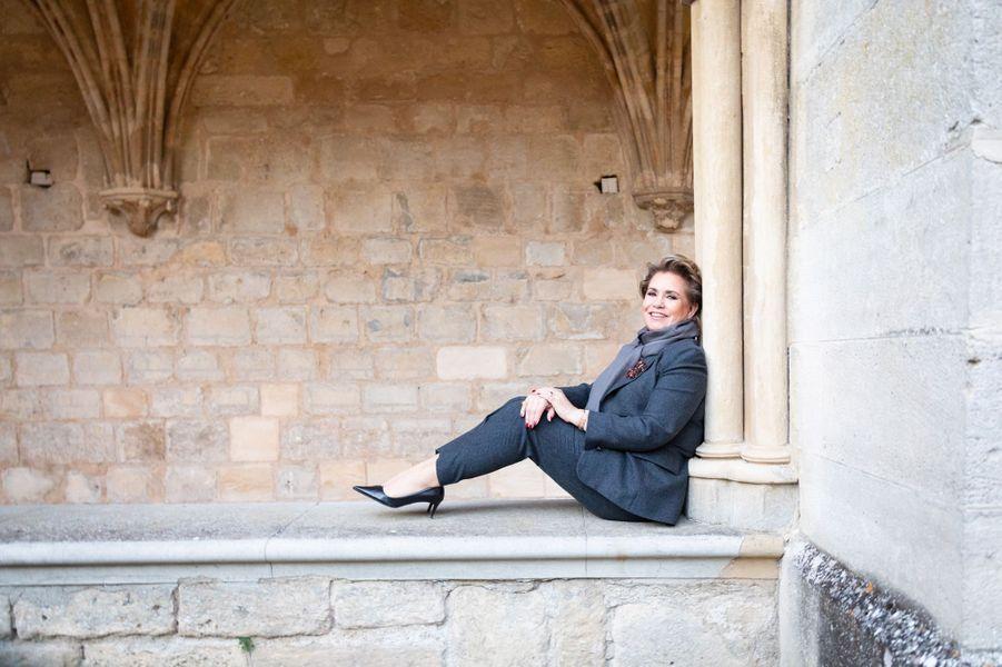 La grande-duchesse Maria Teresa de Luxembourg, le 30 novembre 2018, dans le cloître de l'abbaye de Royaumont