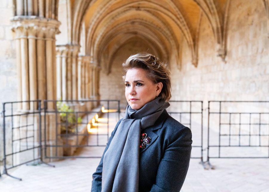 La grande-duchesse Maria Teresa de Luxembourg dans le cloître de l'abbaye de Royaumont en France, le 30 novembre 2018