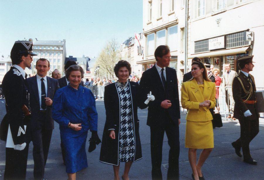 La princesse Alix de Ligne, lors de l'inauguration du monument à sa mère, la grande-duchesse Charlotte, en 1990