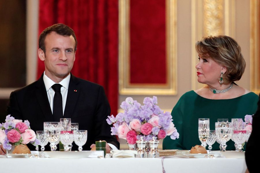 La grande-duchesse Maria Teresa de Luxembourg avec Emmanuel Macron à l'Elysée à Paris, le 19 mars 2018