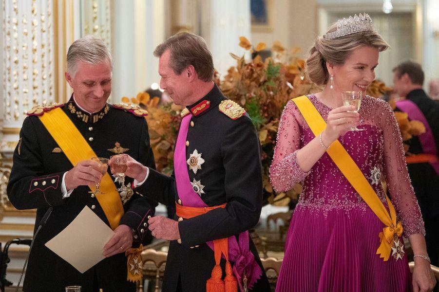 Le grand-duc Henri de Luxembourg avec la reine Mathilde et le roi des Belges Philippe à Luxembourg, le 15 octobre 2019