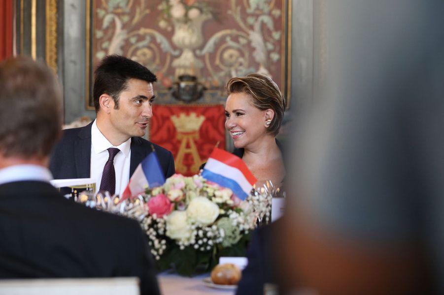 La grande-duchesse Maria Teresa de Luxembourg à Angoulême avec le maire Xavier Bonnefont, le 24 août 2019