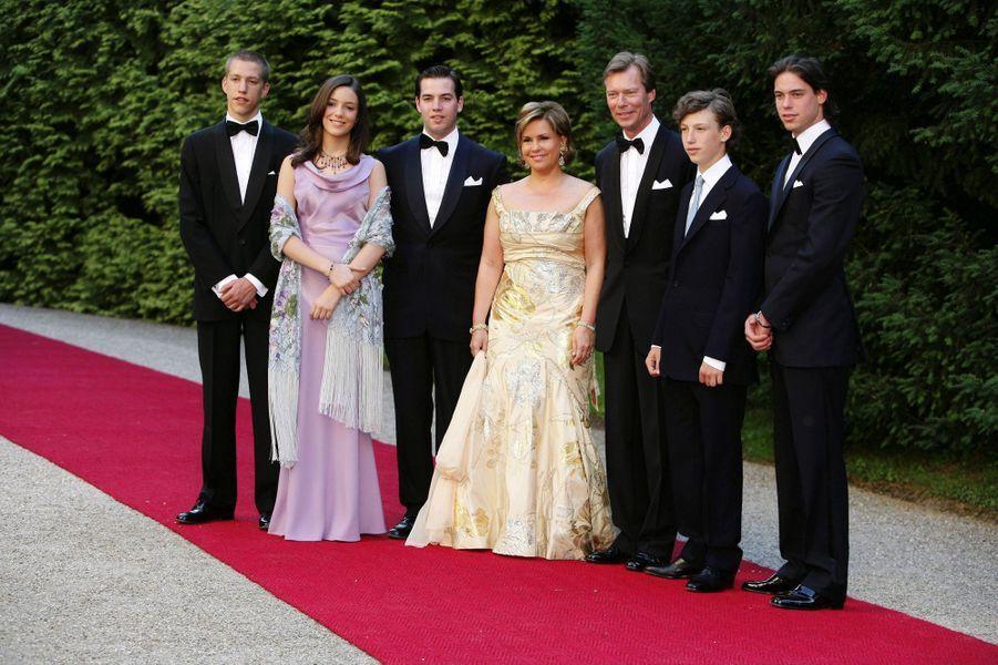 La princesse Alexandra de Luxembourg, avec ses parents et ses frères, le 1er juillet 2006
