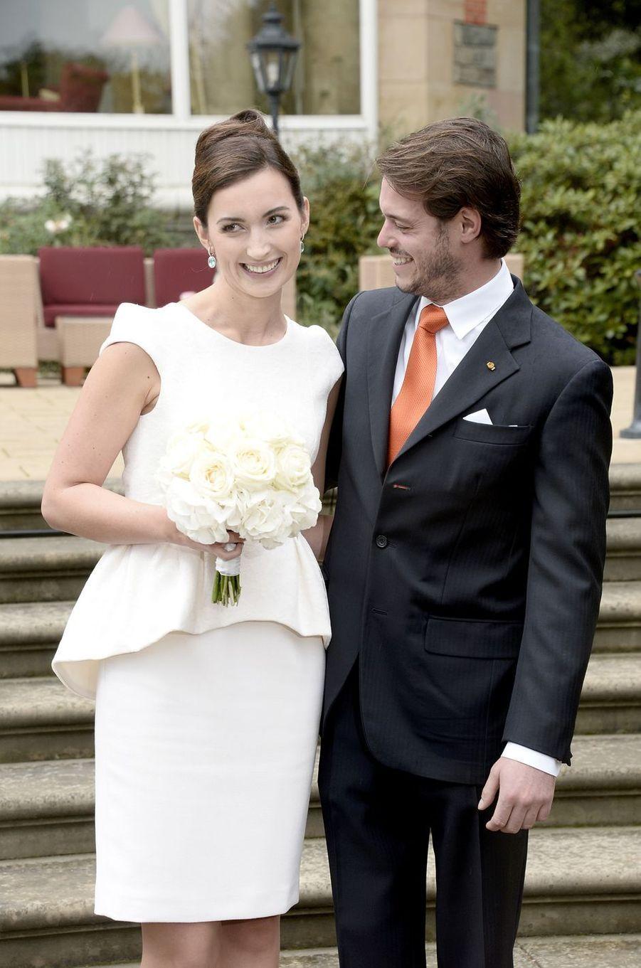 Claire Lademacher et le prince Félix de Luxembourg le 17 septembre 2013, jour de leur mariage civil