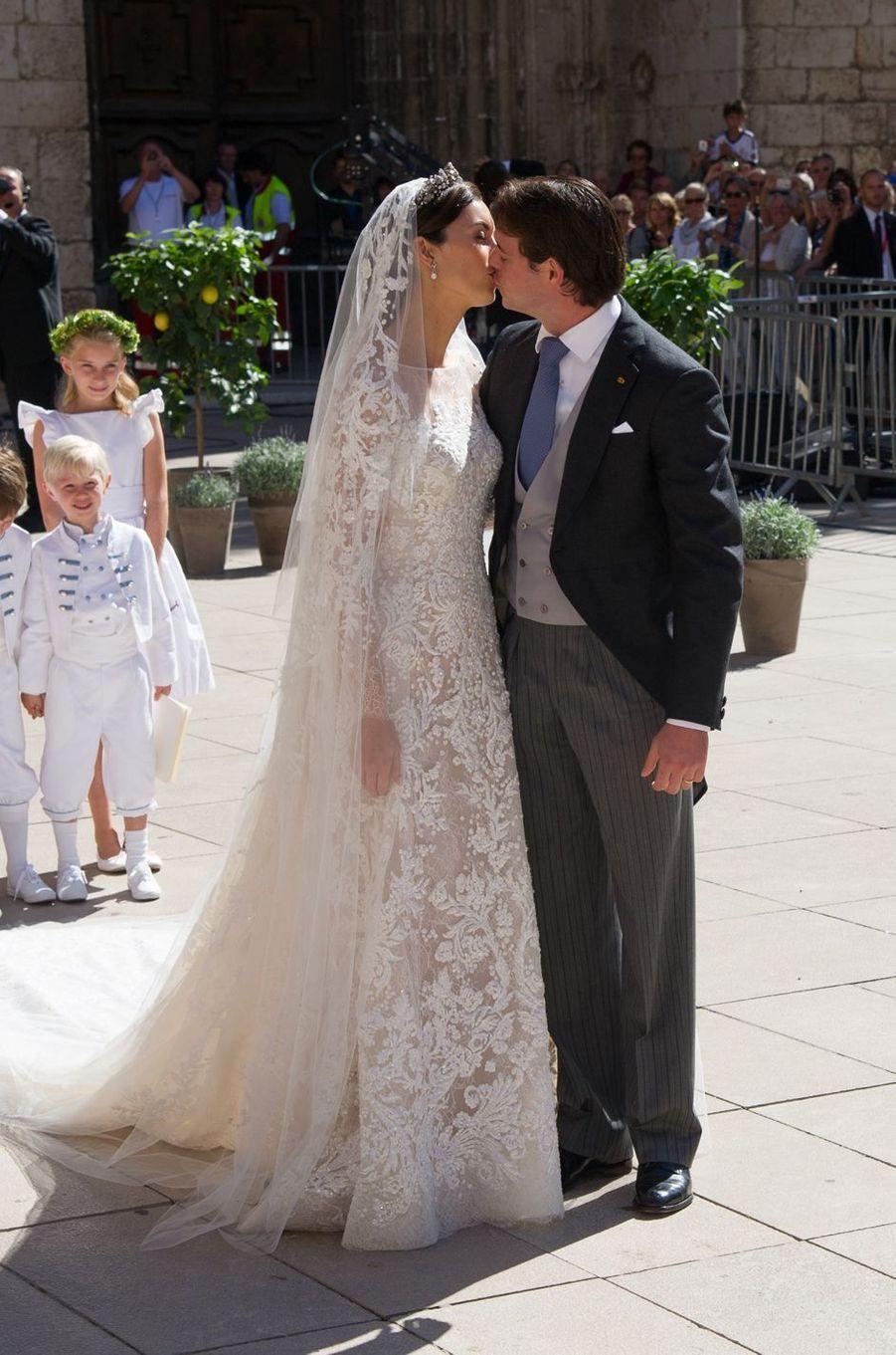 Claire Lademacher avec le prince Félix de Luxembourg le 21 septembre 2013, jour de leur mariage religieux