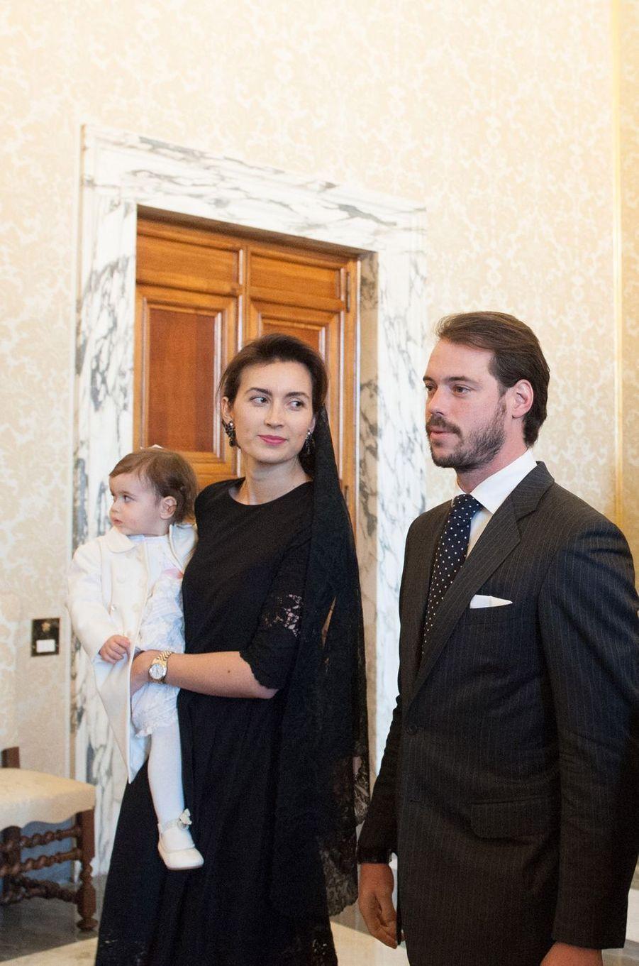 La princesse Claire avec son époux le prince Félix de Luxembourg et leur fille Amalia, le 22 mars 2016