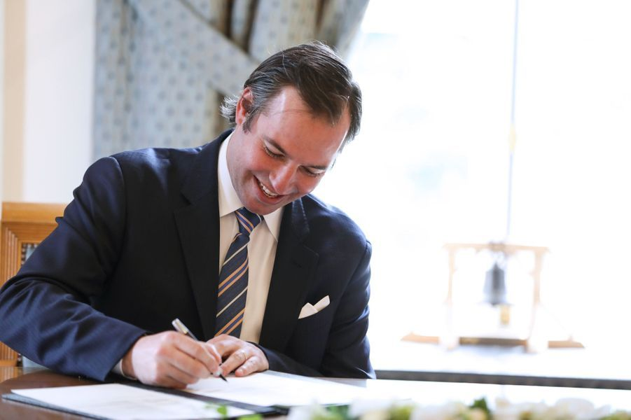 Le prince Guillaume de Luxembourg, à l'hôtel de ville de Luxembourg le 13 mai 2020