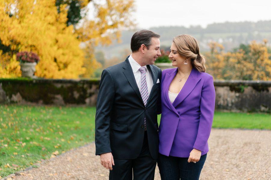 Le grand-duc héritier Guillaume de Luxembourg et la grande-duchesse héritière Stéphanie, enceinte. Photo diffusée le 6 décembre 2019