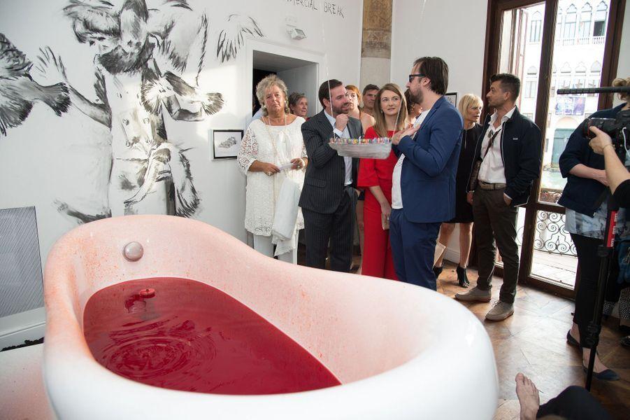 La princesse Stéphanie et le prince Guillaume de Luxembourg au Pavillon du Grand-Duché de Luxembourg à la Biennale de Venise, le 7 mai 2015