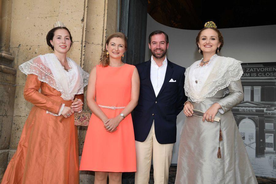 La princesse Stéphanie et le prince Guillaume de Luxembourg au vernissage de Flux Feelings à Arles, le 7 juillet 2017