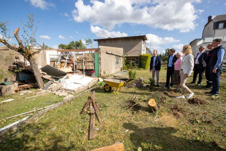 Le grand-duc Henri de Luxembourg le 10 août 2019 sur les lieux de la tornade dévastatrice survenue la veille