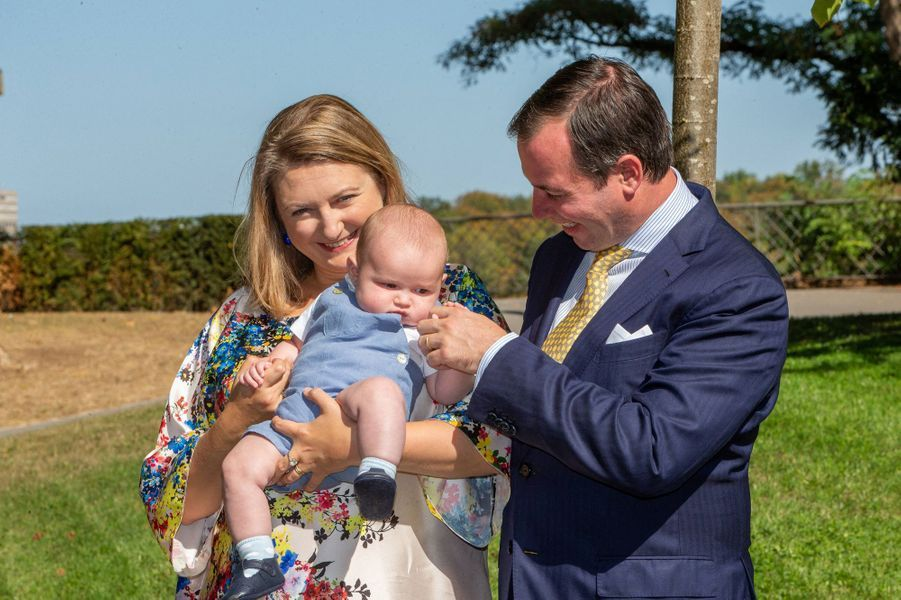 Le prince Charles de Luxembourg avec ses parents le prince héritier Guillaume et la princesse Stéphanie, à Luxembourg le 21 septembre 2020