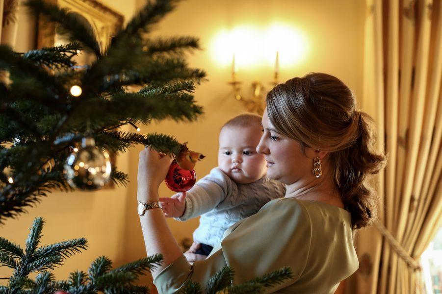 Le petit prince Charles de Luxembourg avec sa mère la princesse Stéphanie, le 26 novembre 2020. Photo diffusée le 20 décembre 2020