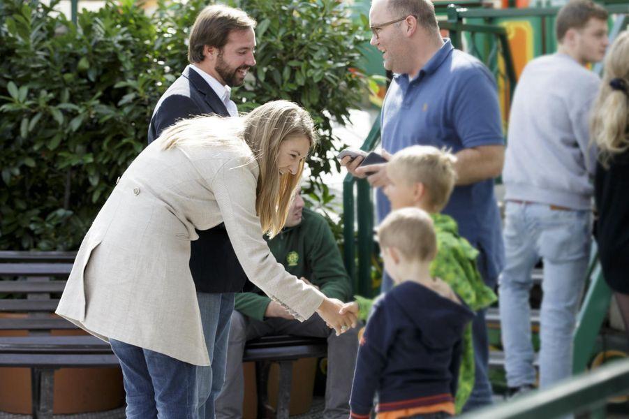 Le prince Guillaume, Grand-Duc héritier du Luxembourg, et son épouse la princesse Stéphanie à la traditionnelle «Schueberfouer»
