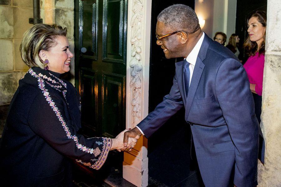 La grande-duchesse Maria Teresa de Luxembourg avec le Dr Denis Mukwege à La Haye, le 28 novembre 2018