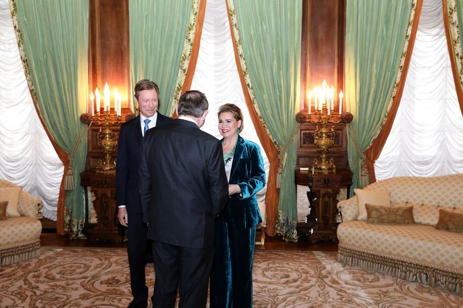 La grande-duchesse Maria Teresa et le grand-duc Henri de Luxembourg avecFernand Etgen, président de la Chambre des députés, à Luxembourg le 8 janvier 2019