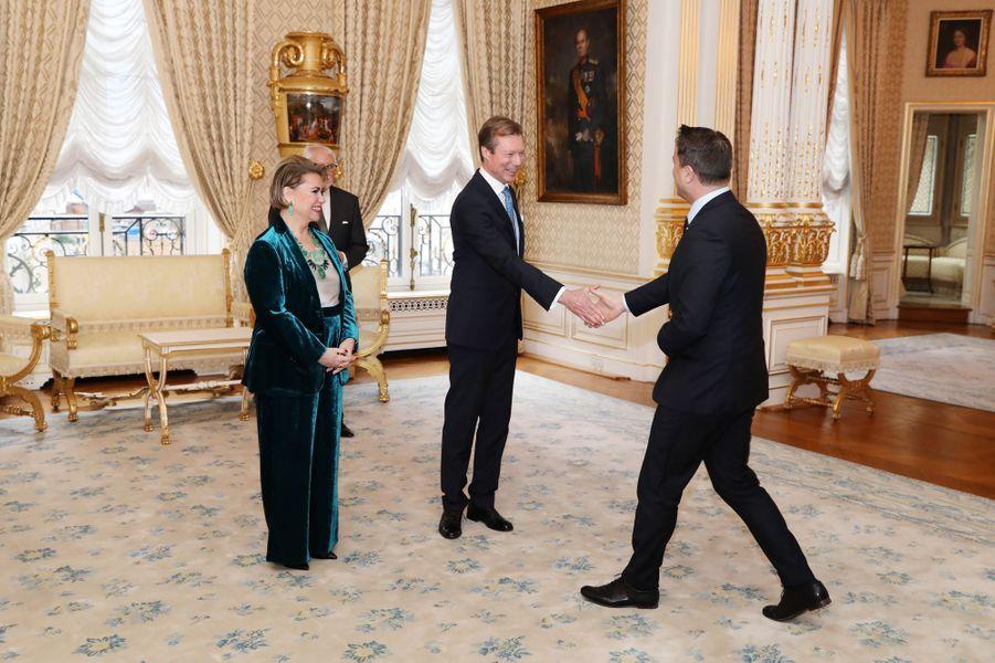 La grande-duchesse Maria Teresa et le grand-duc Henri de Luxembourg avec Xavier Bettel, à Luxembourg le 8 janvier 2019