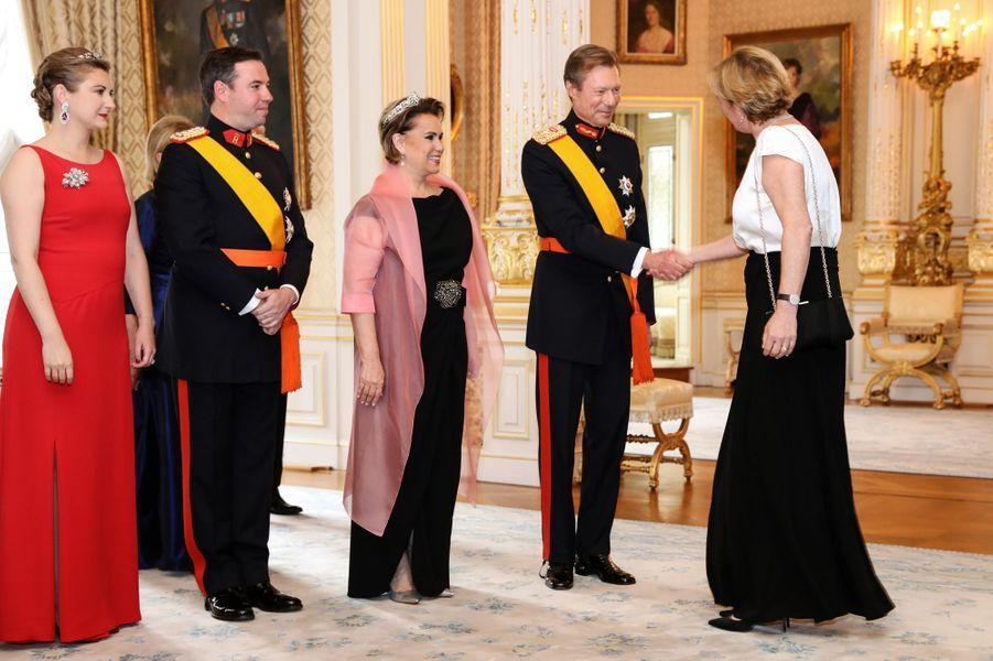 La grande-duchesse Maria Teresa et le grand-duc Henri de Luxembourg avec la princesse Stéphanie et le prince Guillaume à Luxembourg, le 23 juin 2019