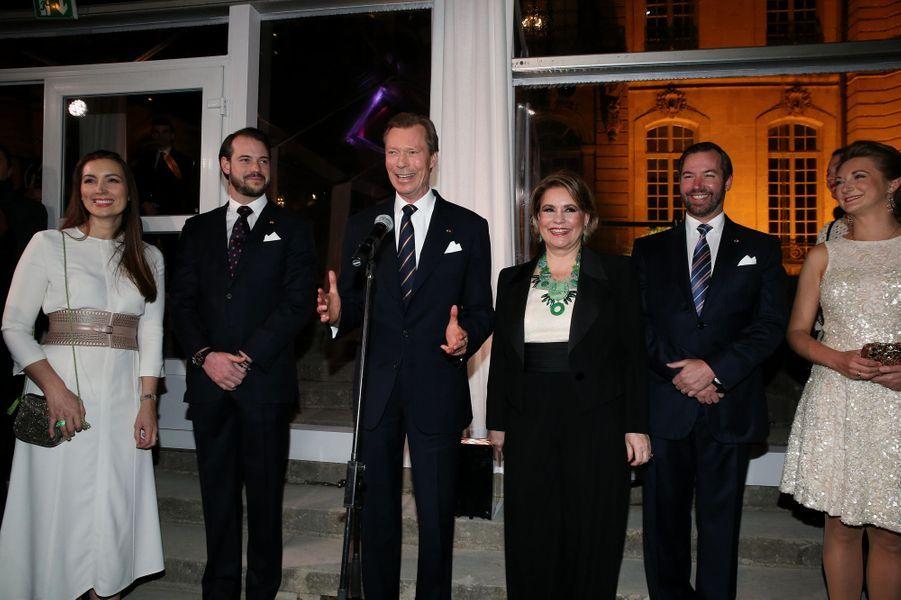 La grande-duchesse Maria Teresa et le grand-duc Henri de Luxembourg avec les princes Guillaume et Félix et leurs épouses à Paris le 20 mars 2018