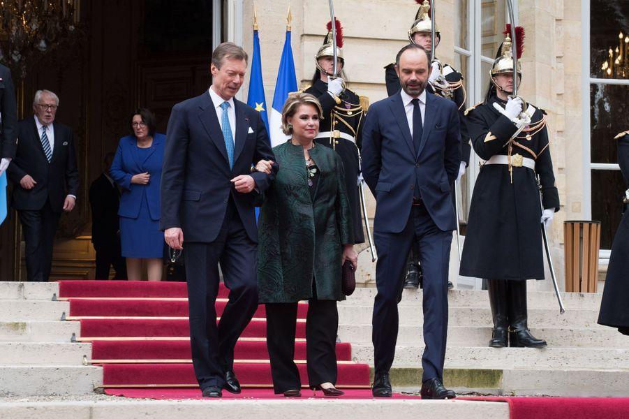 La grande-duchesse Maria Teresa et le grand-duc Henri de Luxembourg avec Edouard Philippe à Paris le 20 mars 2018