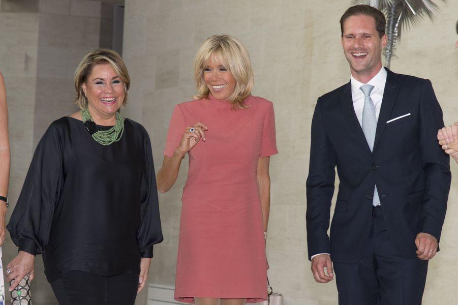 La grande-duchesse Maria Teresa de Luxembourg avec Brigitte Macron et Gauthier Destenay à Luxembourg, le 29 août 2017
