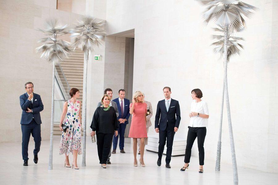 La grande-duchesse Maria Teresa de Luxembourg avec Brigitte Macron,Amélie Derbaudrenghien et Gauthier Destenay à Luxembourg, le 29 août 2017
