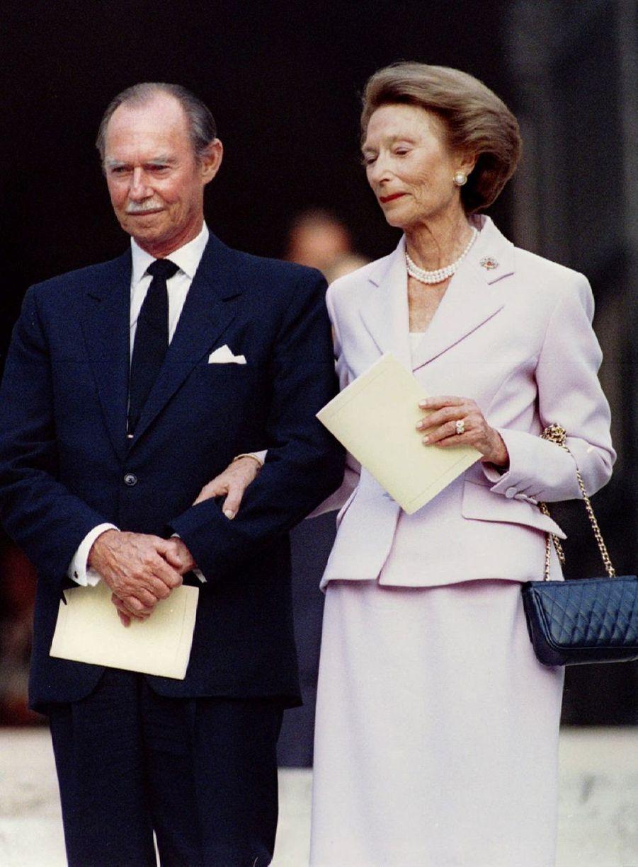 Le grand-duc Jean de Luxembourg avec sa femme la grande-duchesse Joséphine-Charlotte, le 30 juillet 1994